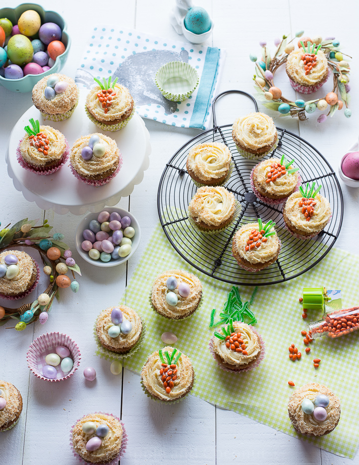 Easter Carrot Cupcakes Maple Cream Cheese Frosting www.pineappleandcoconut.com