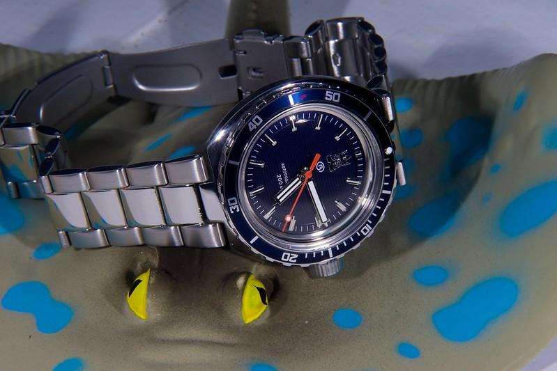Studio sub : aimez vous les montres bleues? 15920317584_8d6d4f019c_c