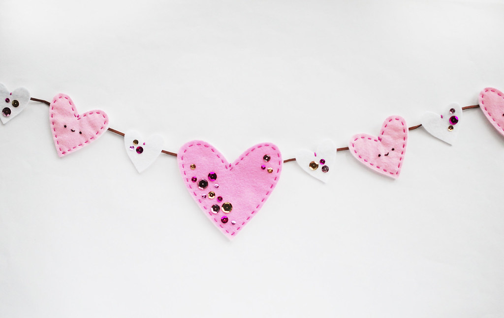 Sparkled Heart Garland