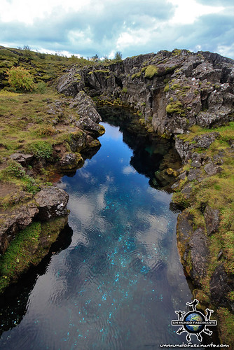 ISLANDIA - Thingvellir,  Þingvellir. Nikulásargjá & Peningagjá
