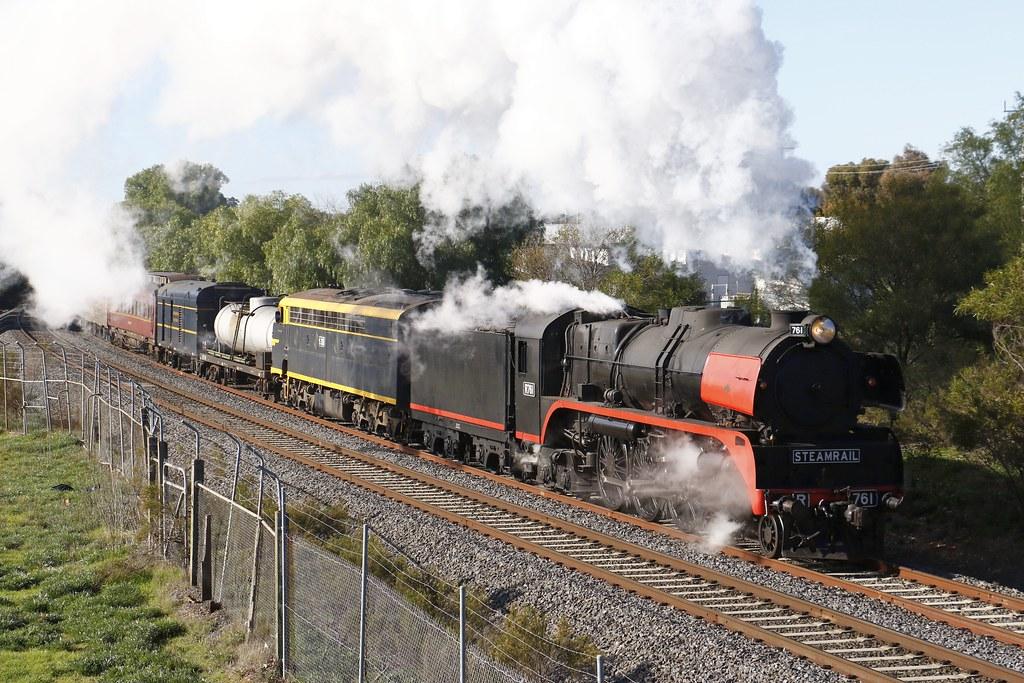 R761, S313 'Alfred Deakin' 8098 by Greensleeves.94