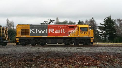 railway nzr kiwirail dcclass dc4444 diesellocomotive railwaystation newzealandrailways emd emdg22ar g22ar clouds winter locomotive woodville woodvillerailwaystation tararua