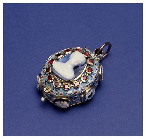 009- Relol esmaltado con cameos-detalle-The Walters Art Museum