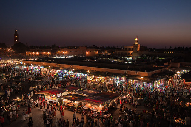 https://www.twin-loc.fr  Place Jemaa el-Fna - Marrakech - Morocco - Maroc - Maroko - Μαρόκο - Fas - Marruecos - Marokko - Марокко - Night - Nuit - Photo Image Photography www.supercar-roadtrip.fr