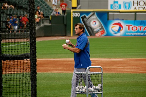 Tim Teufel tossing BP