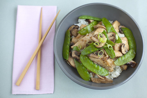 Chicken with Shiitake Mushrooms and Snow Peas
