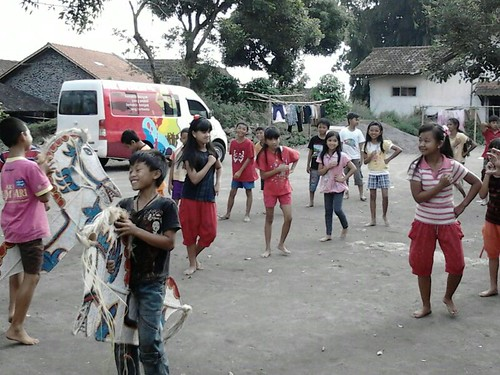 festival seni tradisi anak merapi