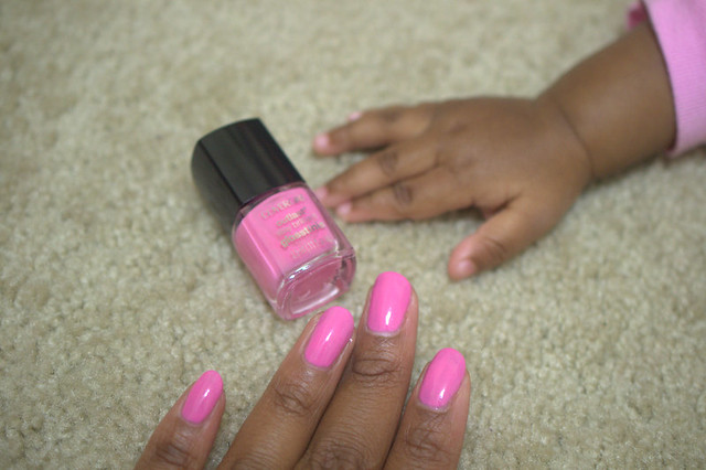 pink finger nails