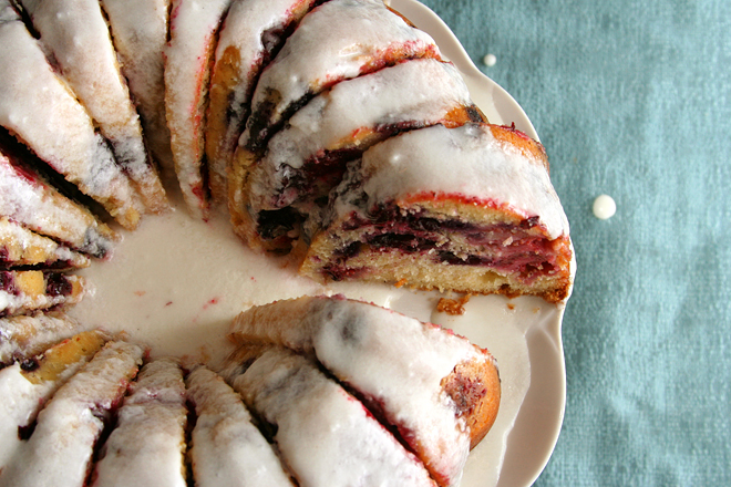 mixed berry bundt cake 10