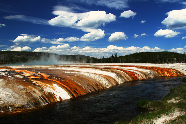 9754776573 a01c7be1a4 z 3 Day Guide to Yellowstone National Park