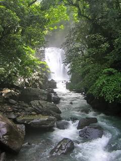 Sun rays on a waterfall, Wulai, Taiwan - 乌来,台湾