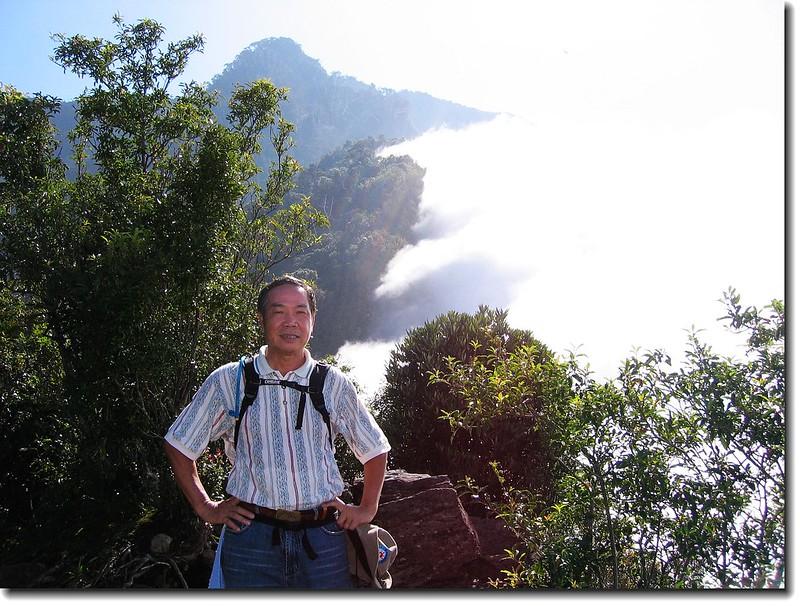 裸岩展望台 (elev. 2125 m, 攝於2005.10.16) 2