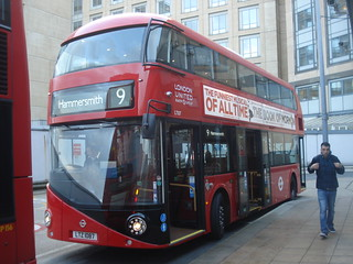London United LT87 on Route 9, Hammersmith