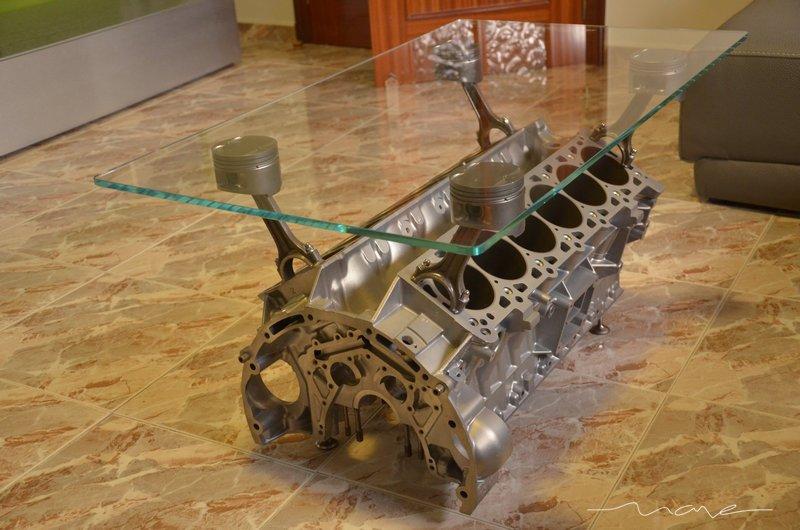 Creaci n de una mesa de centro con un motor v12 engine for Partes de una mesa