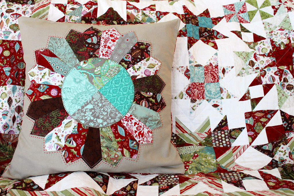 Christmas Dresden Plate Pillow