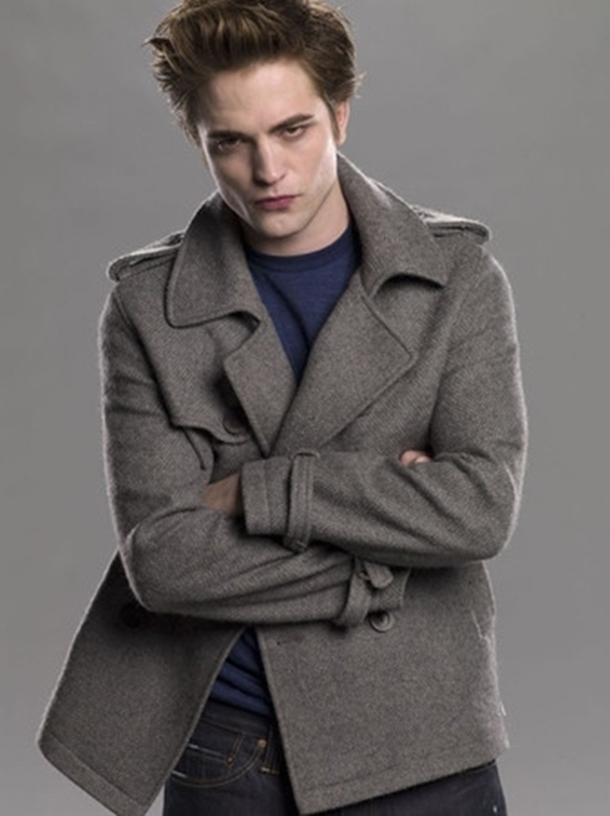 valencia fashion blogger, sales, how to 10 pieces to buy on sales period, bargain edward cullen coat twilight clothes, what to buy on sales, budget fashion blogger style outfit tips leather jacket