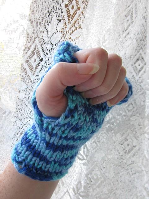 Fingerless Mitten - Thumbhole