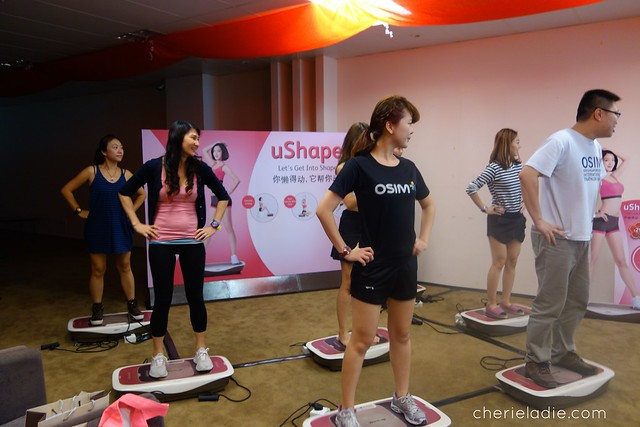 Cherie trying out the OSIM uShape for the first time!
