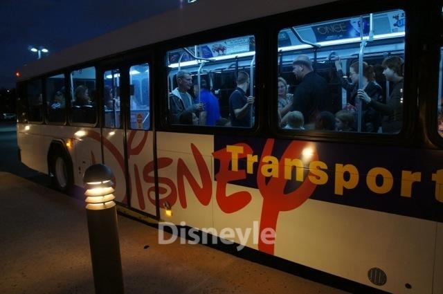 WDWのテーマパーク・リゾートを行き来する無料シャトルバス