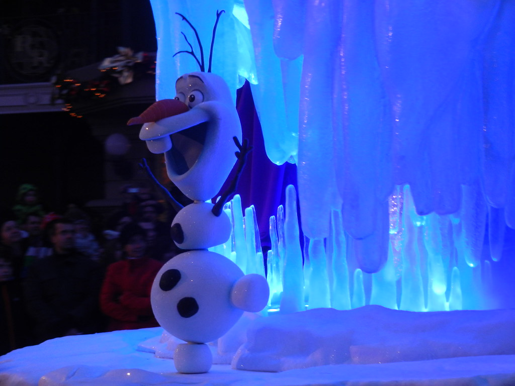 Un séjour pour la Noël à Disneyland et au Royaume d'Arendelle.... - Page 4 13696013245_0a8c11e886_b
