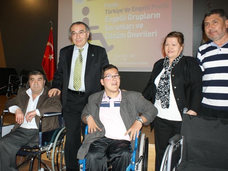 Engelli Sorunları Üsküdar Üniversitesi'nde Masaya Yatırıldı 3