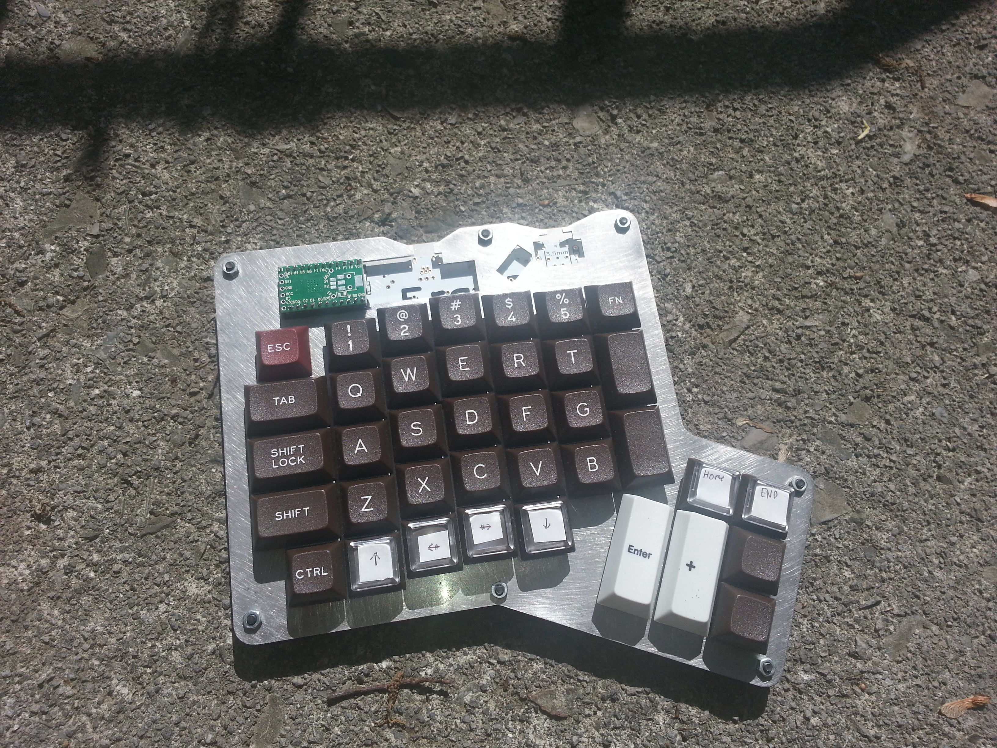Scissor-switches needed for custom made gaming keypad