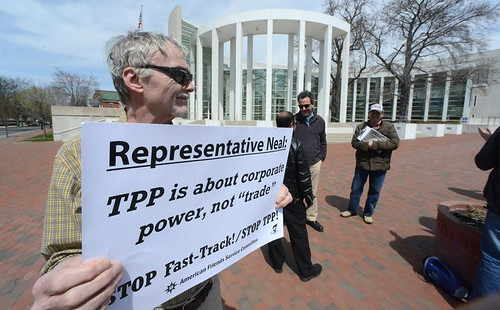 02b_MA-TPP Protest1