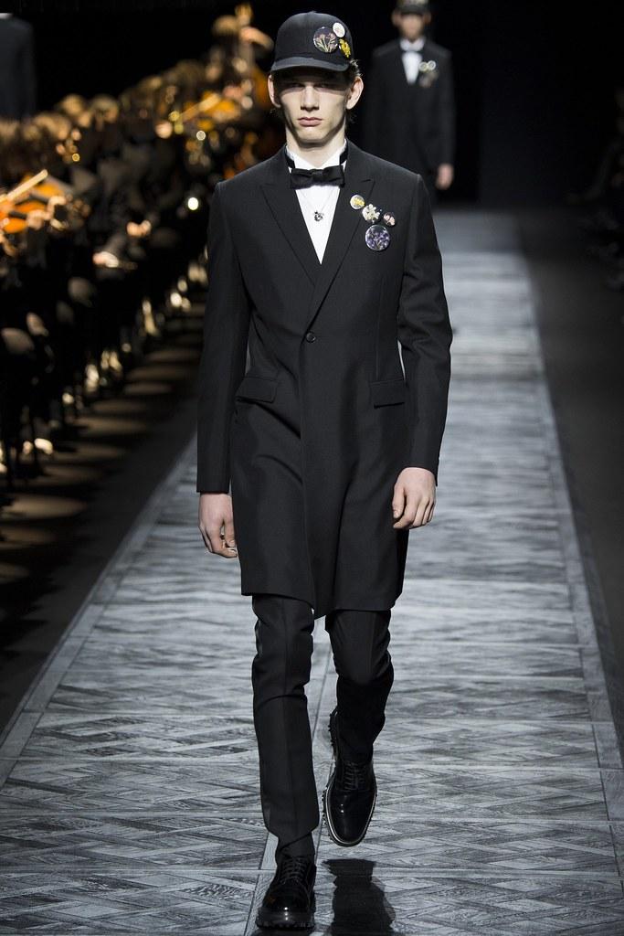 FW15 Paris Dior Homme005_Erik van Gils(VOGUE)