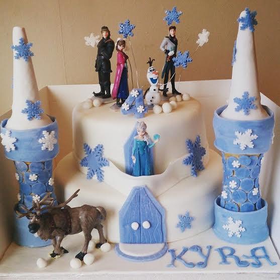 Zoe Beechers Frozen Castle Cake