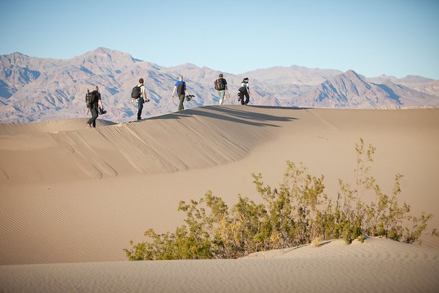 Manfrotto Be Free Tripod ad shoot BTS - Death Valley Mesquite Sand Dunes walk