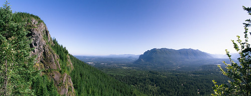 trees sky mountains nature canon landscape scenery scenic wideangle panoramic pacificnorthwest washingtonstate pnw rattlesnakeledge bwpolarizer canoneos7d tamronspaf1024mmf3545diiildaspherical
