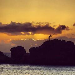 Puu kakaa. #blackrock #kaanapali #maui #lahaina #blessing #cliffdive #aloha #photooftheday #instaood #instahawaii #insatdaily #shoots