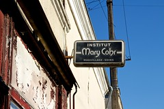 Besoin d'un soin? - Photo of Saint-Martin-de-Lamps