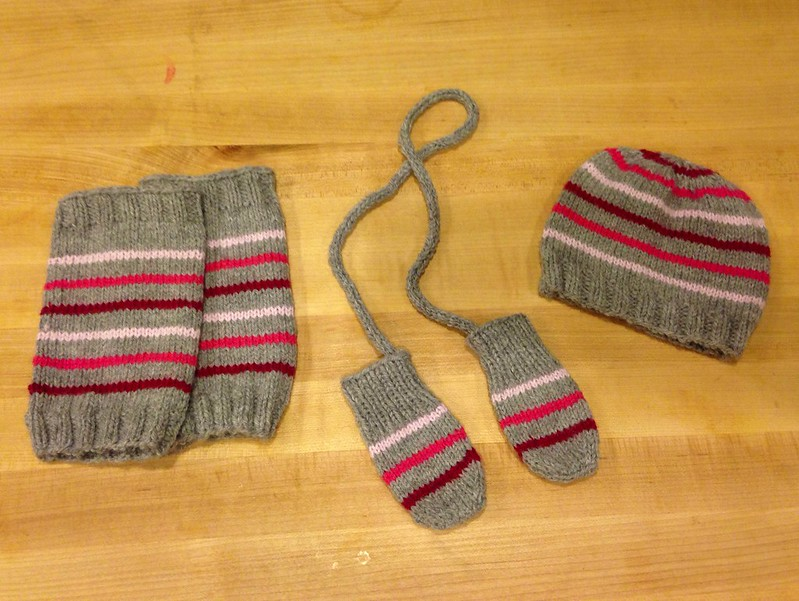 Ombré baby knit gift set