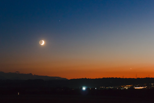 moon twilight venus explore saturn earthshine canoneos550d tamronsp70300mmf456