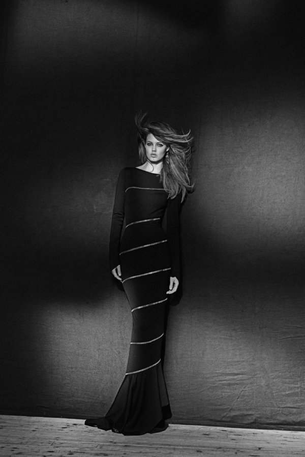 600xNxazzedine-alaia-at-the-palais-galliera-051.jpg.pagespeed.ic.BFZFhjbcKt