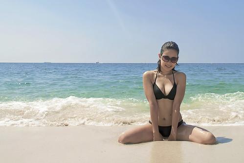 Mutsumi @ Shirarahama beach