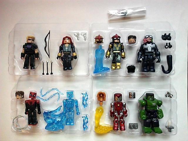 Marvel-Minimates-Toys-R-Us-Series-17-Trays