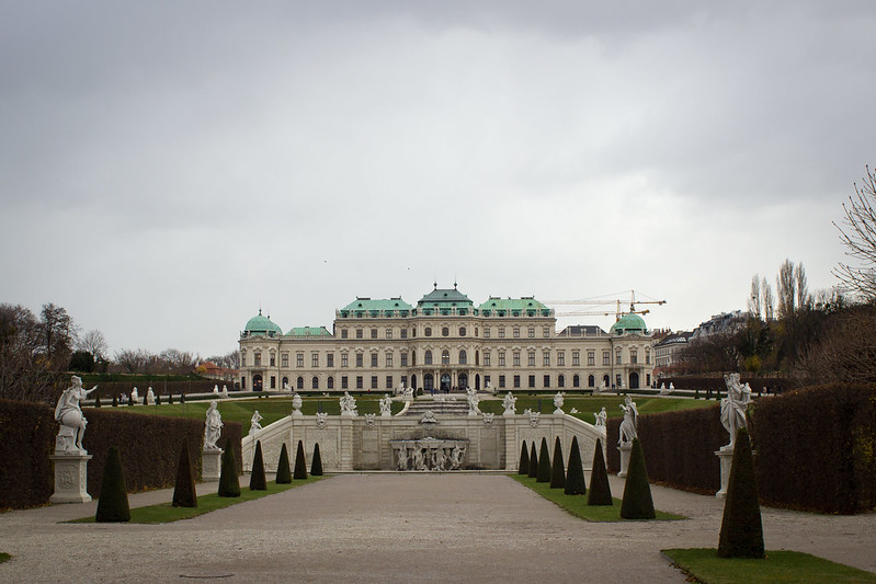 Monday, November 25: Our first snow, kinda, it was pretty light @ Belvedere Palace.