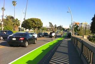 Green Bike Lane Work On Main St & Broadway In Santa Monica