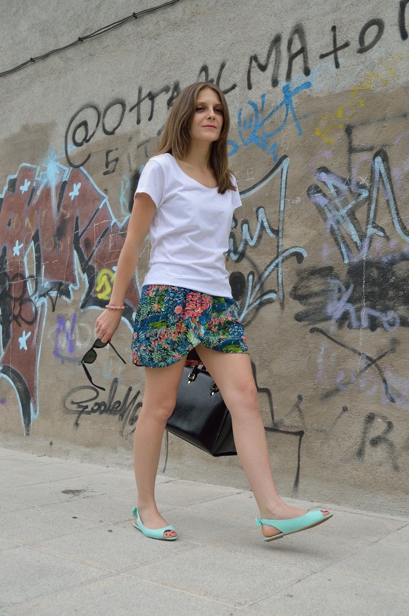 lara-vazquez-madlula-blog-style-streetstyle-skirt
