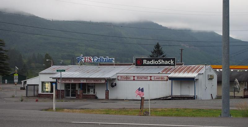 U.S. Cellular and RadioShack: A literal radio shack!