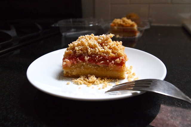 Rhubarb brown-butter tart