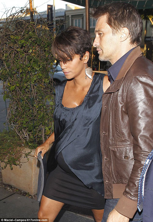 Halle-Berry-Fashion-and-style-2