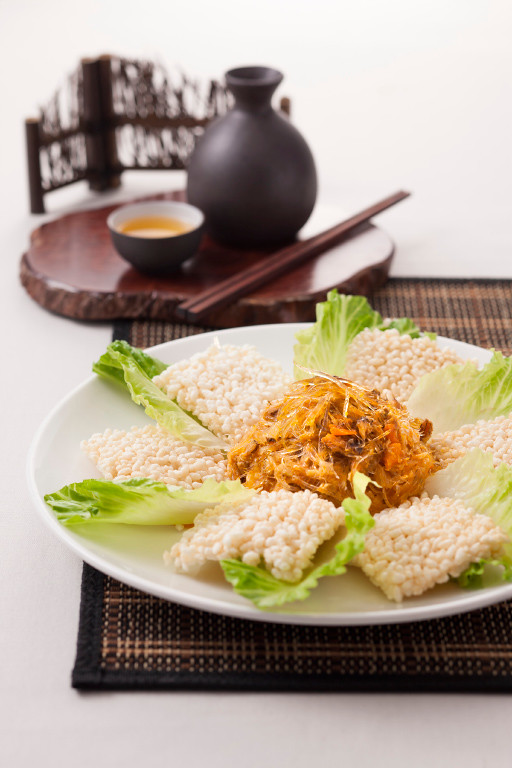 wok-fried sharks fin fresh hairy crab cream  scrambled egg with crispy rice.jpg