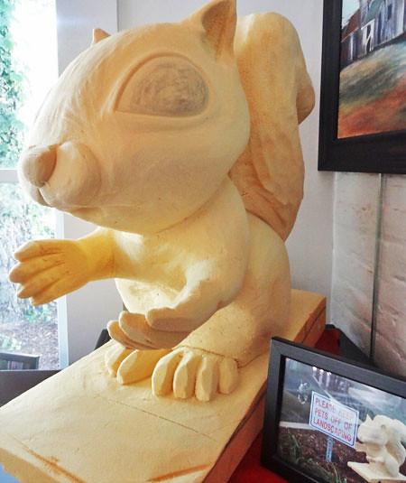 squirrel-statue-noblesville