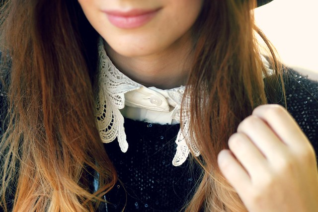 Black Jumper Lace Collar