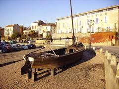 Gabare en cale sèche, Bergerac