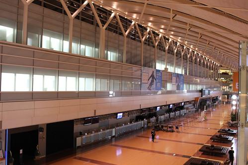 22時の羽田空港ANA側