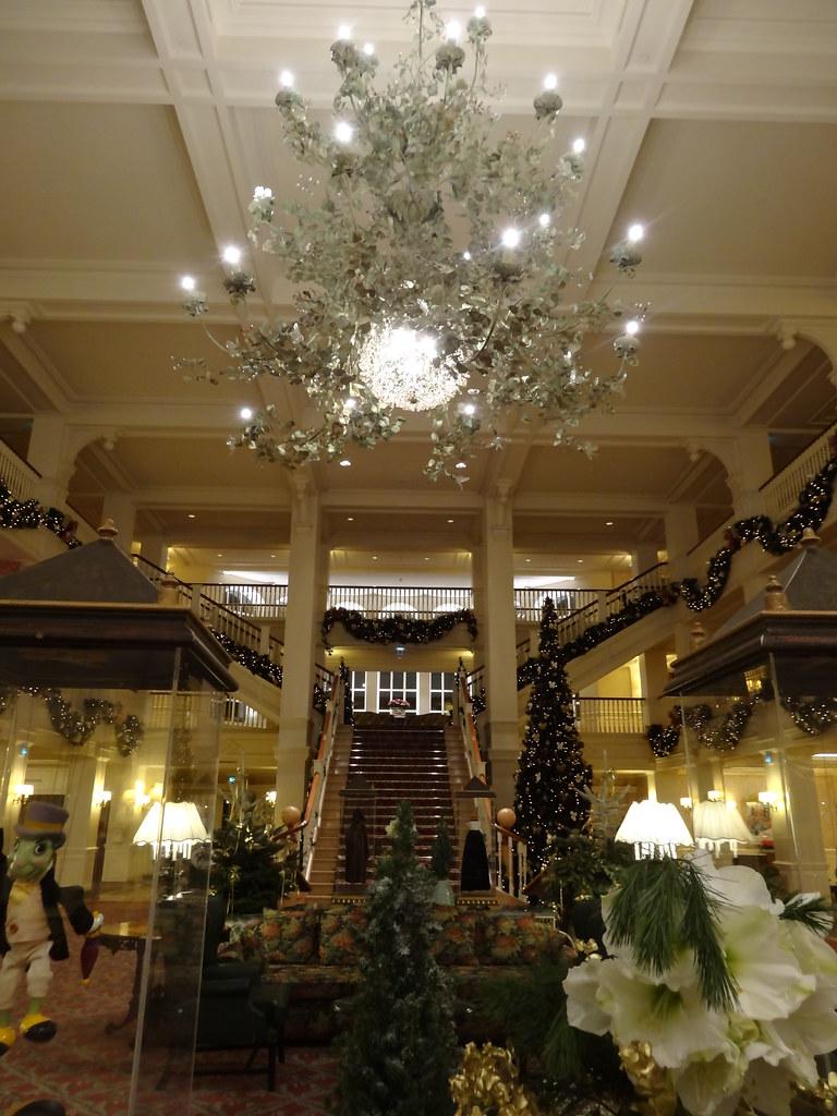 Un séjour pour la Noël à Disneyland et au Royaume d'Arendelle.... - Page 8 13902280606_e8e2121990_b
